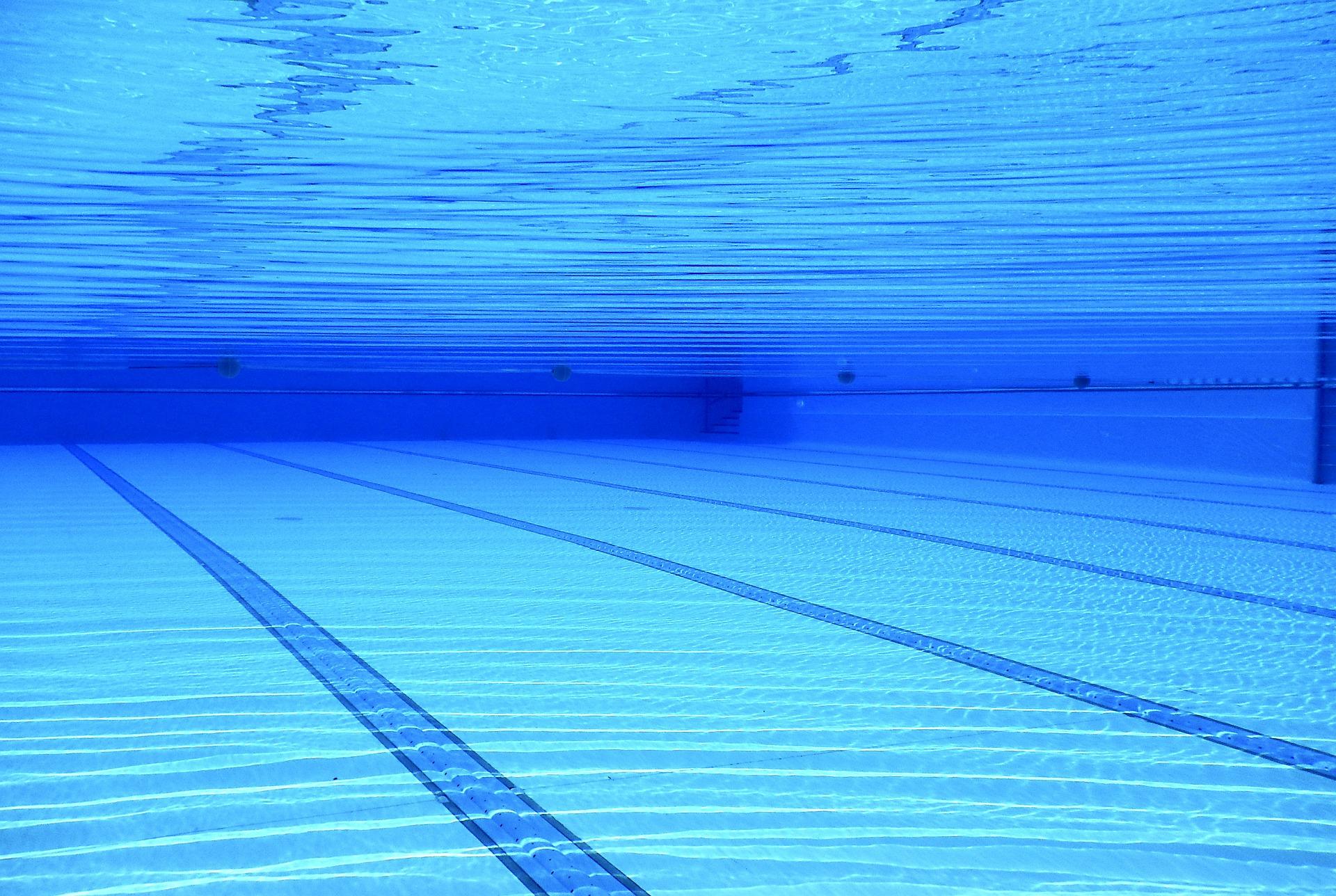 Fond d'une piscine olympique