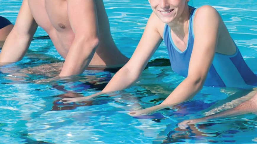 Personnes pratiquant l'aquabike